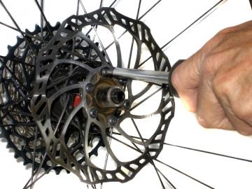 Замена тормозного диска велосипеда