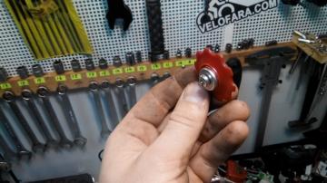 Замена роликов заднего переключателя велосипеда