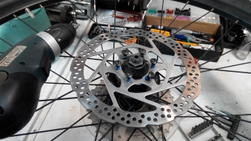 Монтаж + демонтаж тормозного диска под болты