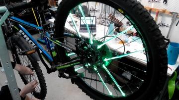 Установка велоподсветки 3 трубки на одно колесо