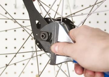 Устранения люфта конусной втулки велосипеда